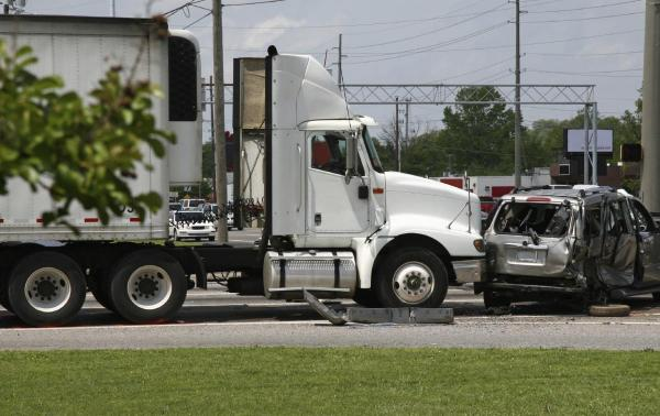 A Dallas truck accident lawyer could help in this situation